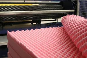 sagomatura bugnatura personalizzata processo materassi cuscini insonorizzati spugne resine espanse foam